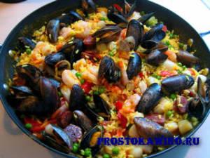 Праздничная паэлья с морепродуктами