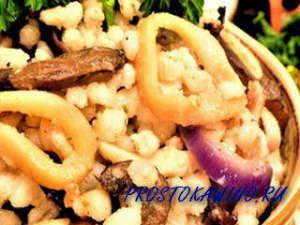Перловая каша с вешенками и кальмарами: диетическое меню